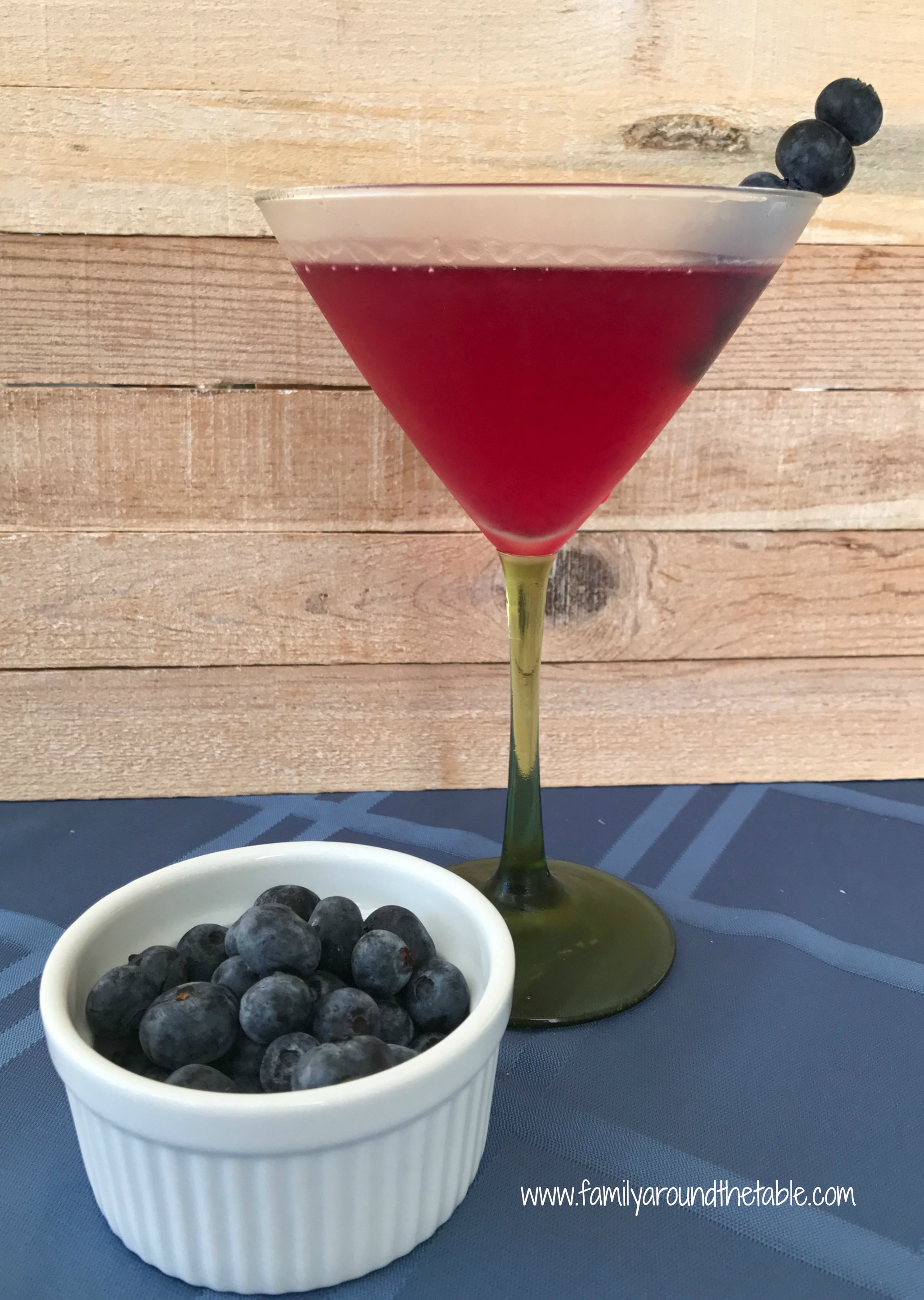 Blueberry lemon vodka martini nationalmartiniday family for Vodka martini