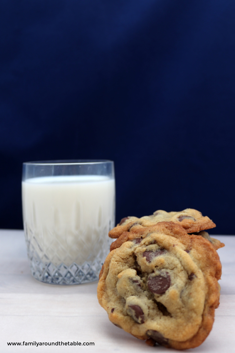 Chocolate chip cookies and a glass of milk.